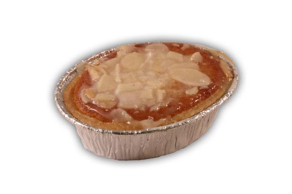 Mazarin tosca– Innehållsförteckning;Socker,margarin(veg.fett och olja vatten,salt,emulg.medel(E4 75,E 471),färgämne, (betakaroten),surhetsreg.medel(citronsyra),arom),ägg mandel,vetemjöl,margarin(veg.fett och olja,vatten,salt emulg.medel(E 471),citronsyra,aromämnen),majs- stärkelse,vatten,glukossirap,veg.fett,äggvitepulver, äggpulver,koserveringsmedel (E 202),salt,bakpulver, (hjorthornssalt),geleringsmedel(E 401)emulg.medel (E 472a),aromämnen,stabiliseringsmedel(E 1505).
