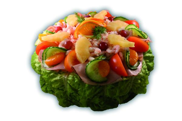 Smögen– Innehållsförteckning; VETEMJÖL, creme fraiche, vatten, ÄGG, TONFISK, RÄKOR i lake (vatten, salt, konserveringsmedel E211, E202, syra E330), vegetabilisk olja, tomat, skinka, FISK (LEPIDOTRIGLA MICROPTERA, FAO 61), ananas krossad (Ananas (67,2%), ananasjuice (32,6%), antioxidationsmedel E 330.), ananas skivad, vindruva, ÄGGULA, socker, sallad, vegetabilisk olja (palm,raps,HAVRE), modifierad stärkelse, purjolök, mandarinklyftor, tapiokastärkelse, gurka, jäst, salt, VETEGLUTEN, GRÄDDE, dill, apelsin, citron, sockersbetfiber, potatisstärkelse, ättika, druvsocker, KRABBEXTRAKT, stabiliseringmedel E 412, sorbitol, stabiliseringsmedel E415, KRABBSMAK, vitpeppar, citronkoncentrat, konserveringsmedel E202, konserveringsmedel E211, svartpeppar, färgämne (E120, E160c, E170, E160a), surhetsreglerande medel E270, citronsyra, naturlig arom, lök, kryddor, mononatriumglutamat, MJÖLKSOCKER, arom, jästextrakt, konserveringsmedel E250, stabiliseringsmedel E450, kiseldioxid, vitlök, SELLERI, stabiliseringsmedel (E407), vitamin A och D.